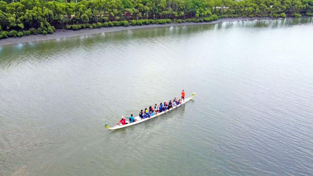 Iloilo Paddlers Club cruising the Iloilo River